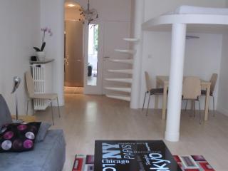 Luxurious Apartment in Exceptional Location of Paris - Paris vacation rentals