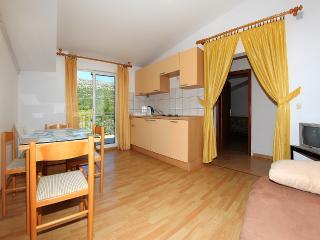 Apartment Emma 7 ( 2+2 ) - Zrnovo vacation rentals