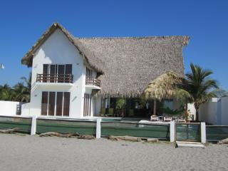 Beautiful beach house in an exotic location - La Libertad Department vacation rentals