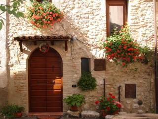 Sotto L'Arco casa vacanze - L'Aquila vacation rentals