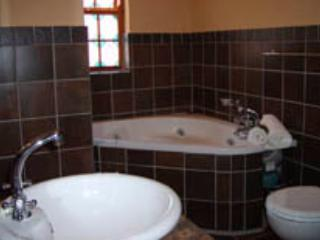 Red Rock Cottage - Image 1 - Oudtshoorn - rentals