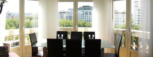 Wonderful views Gran Via City Center, 6 balconies - Image 1 - Madrid - rentals