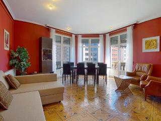 Wonderful views Gran Via City Center, 6 balconies - Madrid vacation rentals