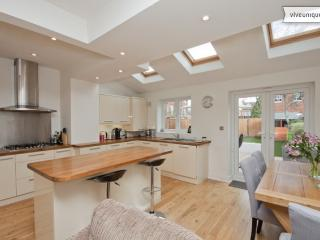 Spacious family home with garden, Shelton Road, Wimbledon - London vacation rentals