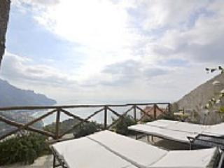 Appartamento Aternia A - Tramonti vacation rentals