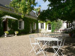 LE CLOS DE LA CHESNERAIE Romantic B&B Loire Valley - Saint-Georges-sur-Cher vacation rentals
