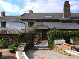 Burton Farmhouse B&B - nr Hope Cove, Kinsbridge - Devon vacation rentals