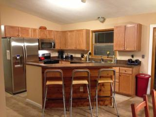 Lake Beach,Hot Tub,Pool Table,Fireplace, Ski, - Albrightsville vacation rentals