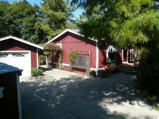 Farmhouse in Healdsburg - Walkable to Downtown - Healdsburg vacation rentals