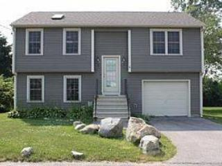 Narragansett Beauty- 1/2 mile to Scarborough Beach - Narragansett vacation rentals
