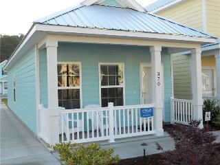 Charming 2 Bedroom Gulfstream Cottage, Short Walk to the Beach - Myrtle Beach vacation rentals