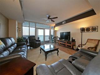 Oceanfront 4 Bedroom Condo with a Terrace and Pool at Ocean Blue Resort - Myrtle Beach vacation rentals