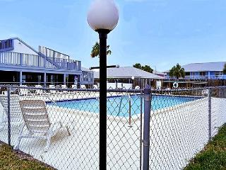 Family Friendly, Great View for 6, Open Week of 4/4 - Panama City Beach vacation rentals