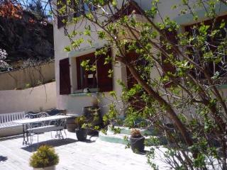 Montsegur,Labyrinth  gite,b&b  Ariege, Midi Pyrenees  for 2-8 per - Foix vacation rentals