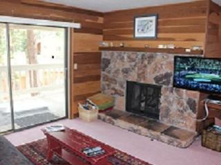 Family getaway condo, walk to Lake Tahoe - Incline Village vacation rentals