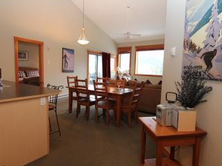 3 Bedroom Canmore Crossing Penthouse - Canmore vacation rentals