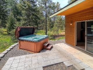 Private Cabin w/  Postcard Setting! 3BR|2BA, Slps8,Hot Tub, Community Pool - Cle Elum vacation rentals