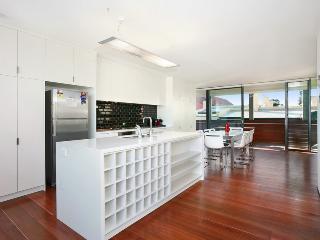 Av8S, Avoca Street, Randwick, Sydney - Cronulla vacation rentals
