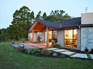 Black Fern Matakana - Leigh vacation rentals
