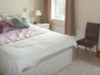 Master bedroom with ensuite - Sidmouth Devon Townhouse close to beach and town - Sidmouth - rentals