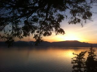 Bent Tree Waterfront Cottage - Gulf Islands vacation rentals