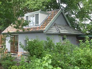 Romantic B & B 's-Hertogenbosch - Vlijmen vacation rentals