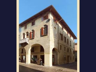 Treviso downtown PARKING WI-FI (3B) - Treviso vacation rentals