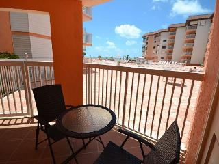 Beach Cottage 2101 - Walk right out to the pool, spa, BBQ & Beach from condo! - Indian Shores vacation rentals
