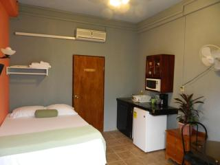 Travel Belize on a Budget,  ONLY $45USD pp, Plus FREE Internet, Bella Sombra Guest House - Belize City vacation rentals