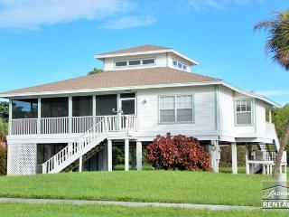 Old Florida style house with beautiful hardwood floors and skylights! - Marco Island vacation rentals