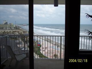 Beach WALK to Entertainment District and back ! - Daytona Beach vacation rentals