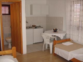 Apartments Jere - 10481-A1 - Cove Kanica (Rogoznica) vacation rentals