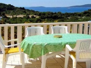 House Nela - 10551-K1 - Okrug Donji vacation rentals