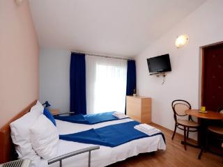 Apartments Slađana - 10911-A13 - Gradac vacation rentals