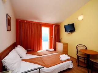Apartments Slađana - 10911-A14 - Ploce vacation rentals
