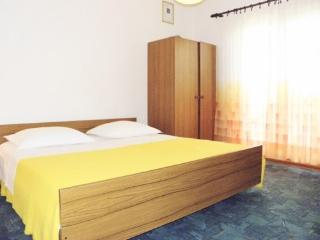 Apartments Nediljka - 14121-A3 - Zaboric vacation rentals
