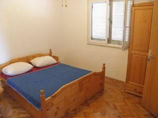 Rooms Matko - 20021-S6 - Prvic Luka vacation rentals