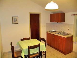 Apartments Davorka - 20251-A3 - Lukoran vacation rentals