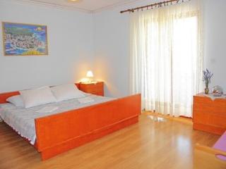 Apartments Mladen - 21271-A1 - Mrljane vacation rentals