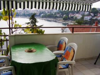 Apartments Dane - 30431-A2 - Okrug Gornji vacation rentals