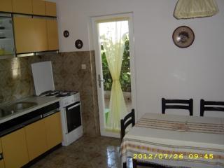 Apartments and Rooms Anka - 31931-A2 - Soline vacation rentals
