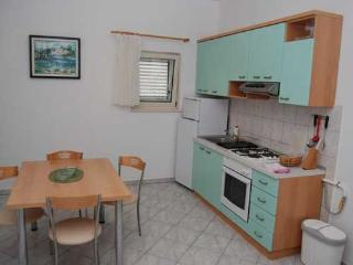Apartments and Rooms Ante - 34111-A2 - Milna vacation rentals