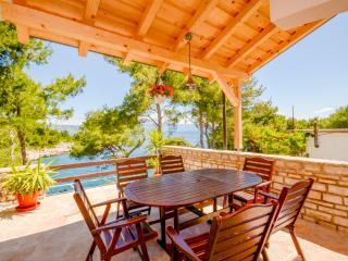 Apartments Pavao - 34291-A2 - Cove Basina (Jelsa) vacation rentals