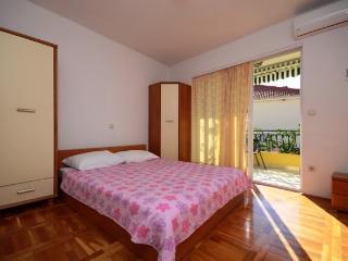 Apartments Katić - 37021-A3 - Sucuraj vacation rentals