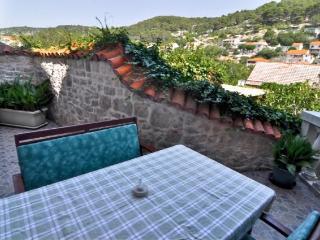 Apartments Tonka - 42251-A5 - Pucisca vacation rentals