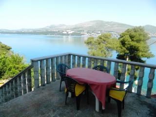 Apartment Iris - 42341-A1 - Okrug Donji vacation rentals