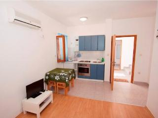 Apartments Nikolina - 60721-A2 - Palit vacation rentals