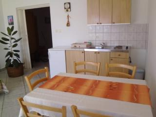 Apartments Vlado - 63061-A6 - Klimno vacation rentals