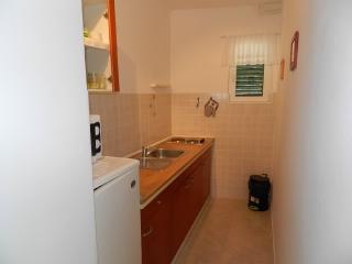 Apartments Dalibor - 28431-A2 - Betina vacation rentals