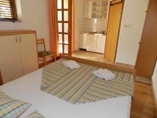 Apartments Frane - 34951-A2 - Hvar Island vacation rentals